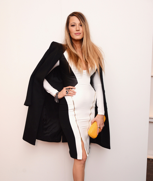 NYFW 2015: Blake Lively Shows Off Flat Tummy