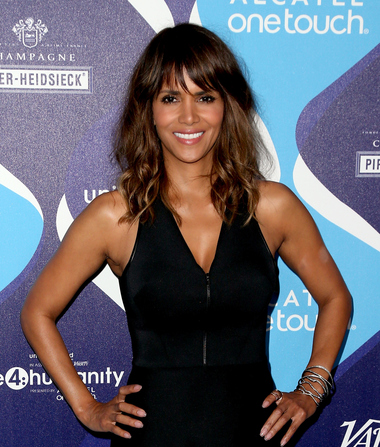 Halle Berry Says Hollywood Pushes Plastic Surgery Like It's Crack
