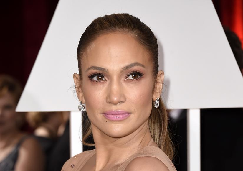 Jennifer Lopez Sparkles At Oscars With 25 Million In Jewels