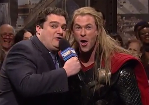 'SNL' Recap: Chris Hemsworth, Chickens and 'The Avengers'