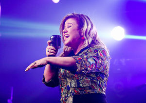 Kelly Clarkson to Perform at iHeartRadio Music Awards