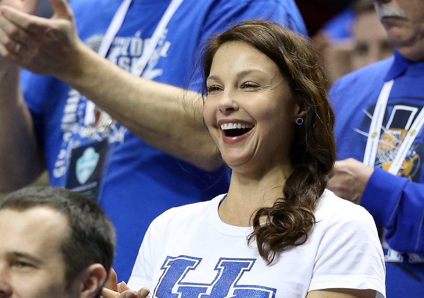 Ashley Judd Lashes Out at Online Bullies