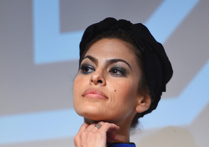Eva Mendes Breaks Internet with Sweatpants Divorce Comment, Ryan Defends Her