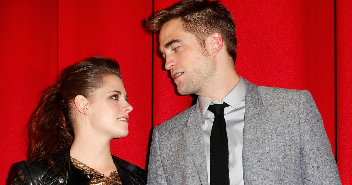 "robert pattinson and kristen stewart dating However, pattinson and stewart would not become a couple until 2010, obviously because the actress was dating michael angarano at the beginning of the ""twilight"" production."