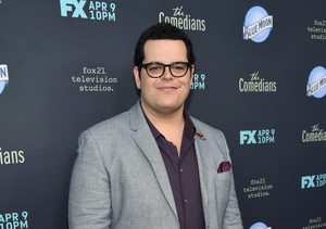Josh Gad Dishes on the 'Comedians' and Why His Kids Are Over Him... In the…