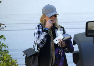 Kim Richards Spied for First Time Since Arrest, Details of Sobriety Breakdown…