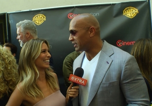 'Extra' at CinemaCon! Highlights with The Rock, 'The Entourage' Guys, and More