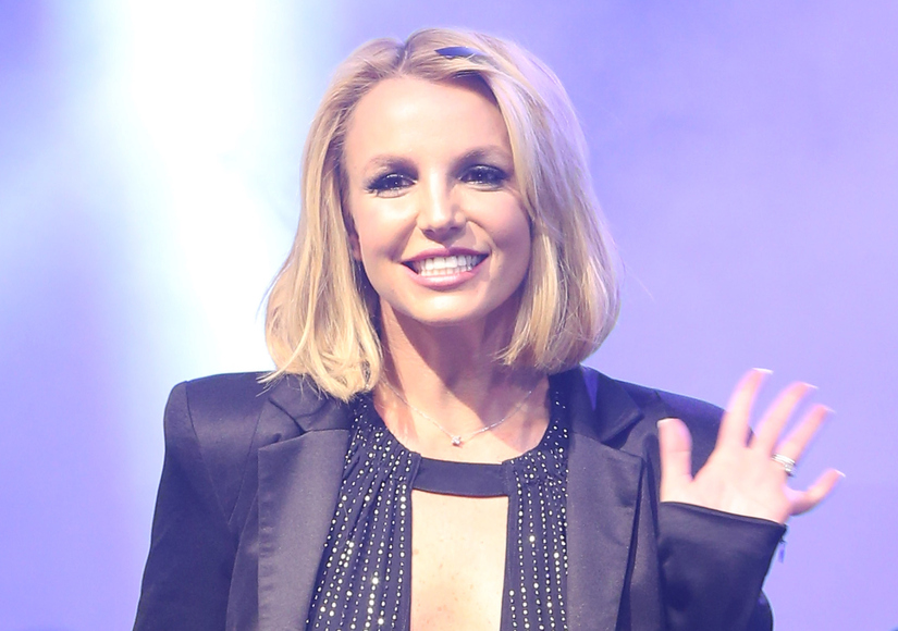 Oops! Britney Shows Off Her Ailing Ankle