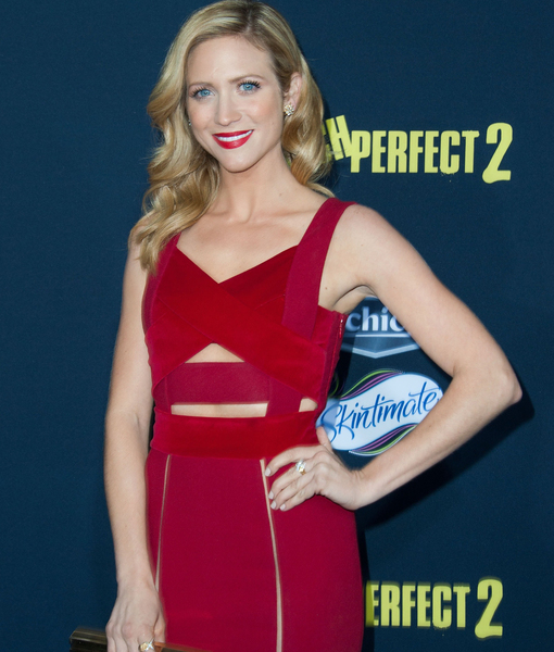 Extra Scoop: 'Pitch Perfect 2' Star Brittany Snow Speaks Out in New Video