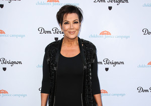 Kris Jenner Snaps Selfie with 'American Crime Story' Double Selma Blair