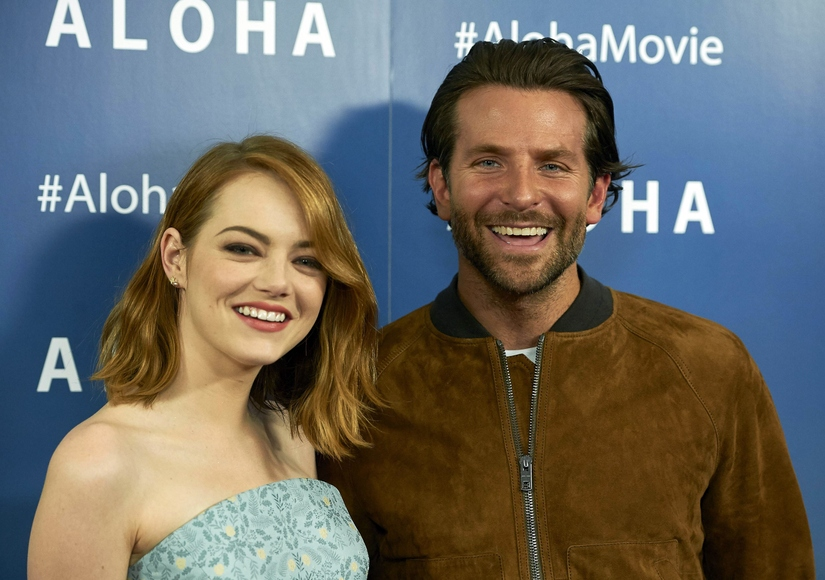 Bradley Cooper and Emma Stone Say 'Aloha' to London!