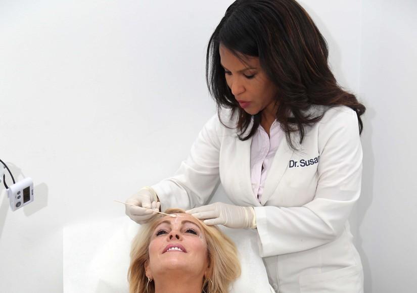 Bye, Bye Wrinkles! Dina Lohan Gets Botox
