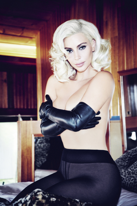 Kim-Kardashian-Topless-2