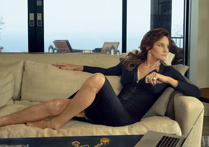 Extra Scoop: Why Caitlyn Jenner Was 'Worried' About Vanity Fair Portraits