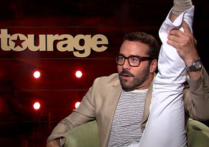 Jeremy Piven Shows Off His Flexibility, Talks Tinder and 'Entourage' Movie