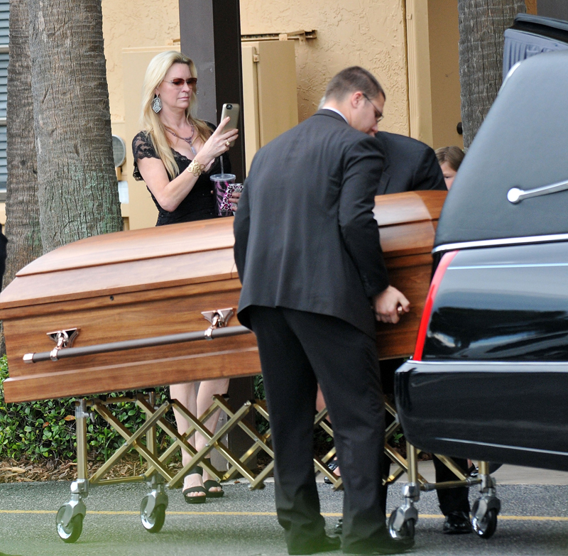 What the 'Queen of Versailles' Star Did at Her Daughter's Funeral May Disgust You