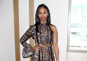 Zoe Saldana Flaunts Toned Abs in Gym Selfie, Encourages Moms Everywhere!