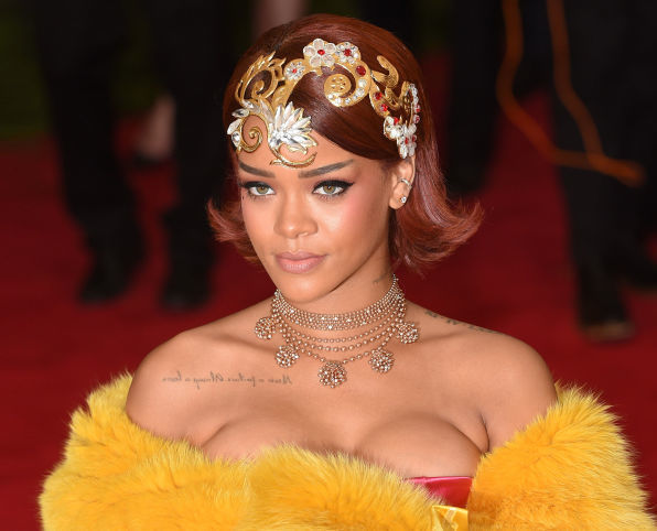 Beauty Roundup: Rihanna Stuns with Gorgeous Flash Tattoo Collection