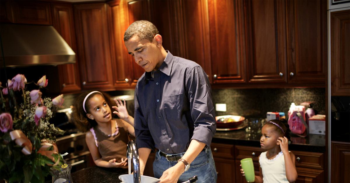 President Obamas Touching Essay On Fatherhood  Extratvcom