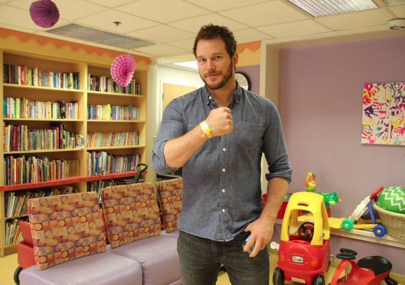 Adorable! Chris Pratt Visits Children's Hospital, Recreates 'Jurassic…
