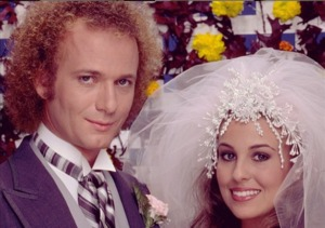 'General Hospital' Star Genie Francis Dishes on Luke & Laura!