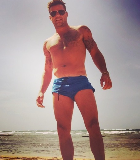 Pics! Celebrity Hunks in Trunks
