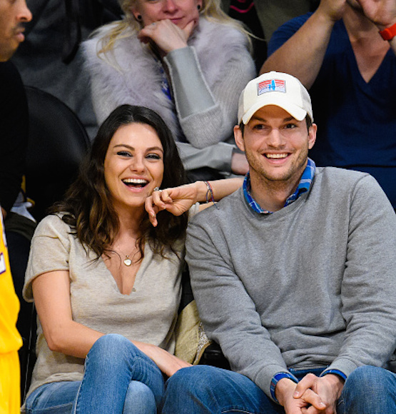 Ashton Kutcher and Mila Kunis Got Married!