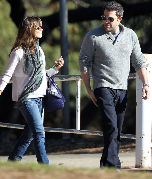 Rumor Bust! Jennifer Garner & Ben Affleck Did Not Renew Vows, Not Expecting…