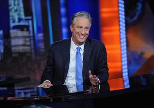 Jon Stewart Says Goodbye to 'Daily Show,' Stars Say Farewell