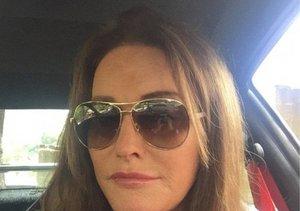 Extra Scoop: Caitlyn Jenner Posts First Instagram Selfie!
