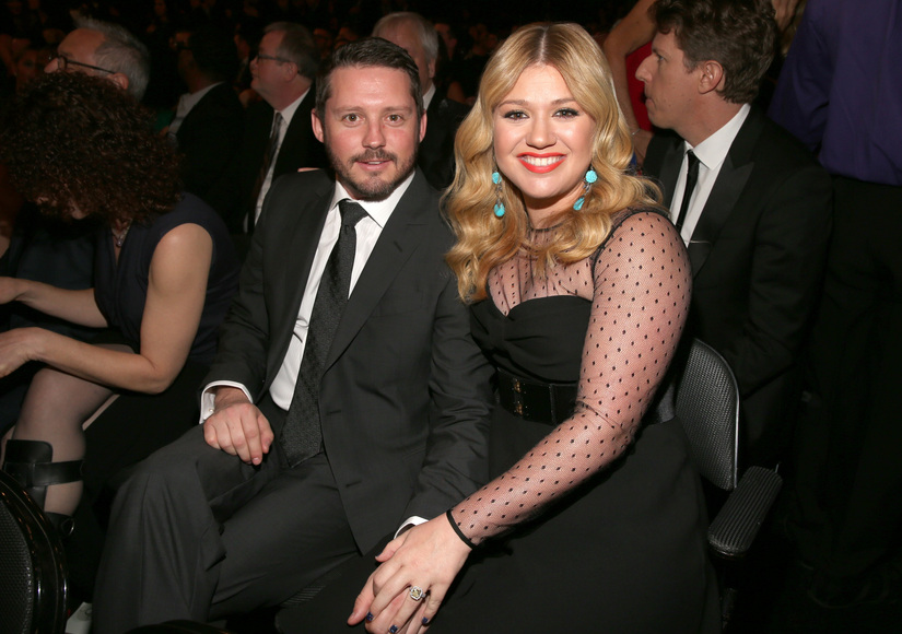 Watch Kelly Clarkson Announce She's Pregnant with Second Child
