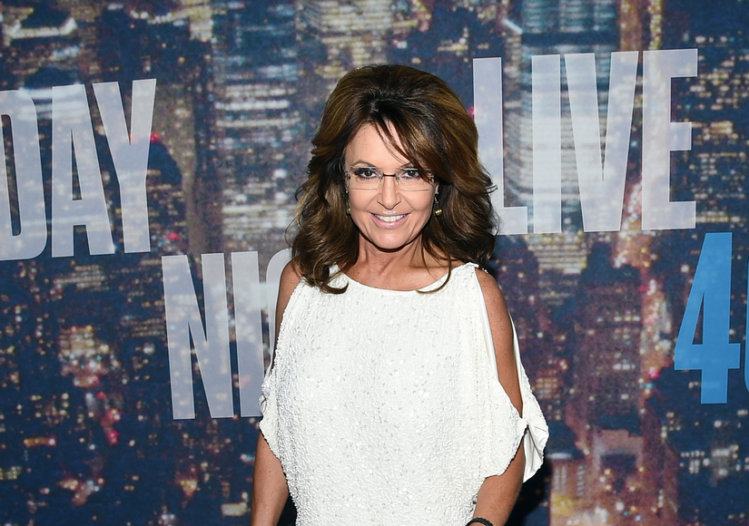 Sarah palin defends donald trump for telling the truth extratv sarah palin defends donald trump for telling the truth thecheapjerseys Choice Image