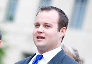 Extra Scoop: Josh Duggar Sued by Porn Star