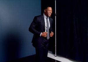 Watch! Michael Strahan Performs Cringeworthy Dislocated Finger Trick