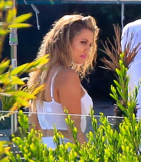 See Khloé Kardashian's Face When She Hears the Sad News About Lamar Odom