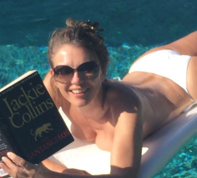 50 Shades of Topless Elizabeth Hurley – See Sexy Pic!