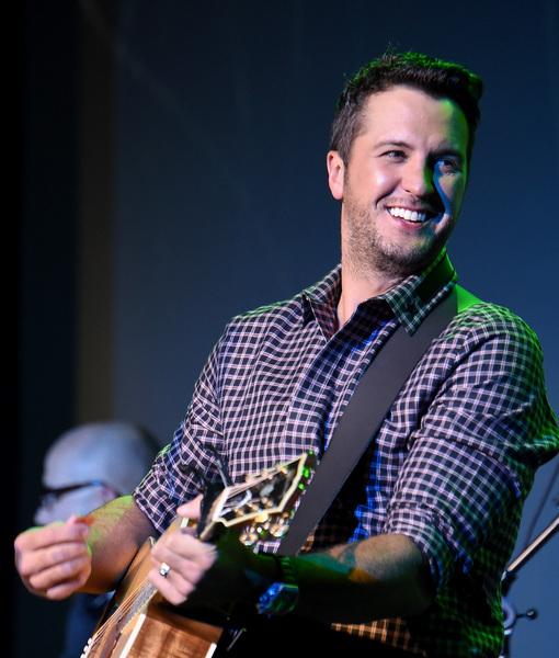 Luke Bryan on the CMAs and How Blake & Miranda Will Handle First Post-Split Award Show