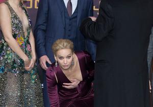 Pics! Jennifer Lawrence Suffers Wardrobe Malfunction at Berlin 'Mockingjay'…