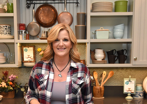 Trisha Yearwood Talks CMAs and Her New JCPenney Precious Metals Cookware