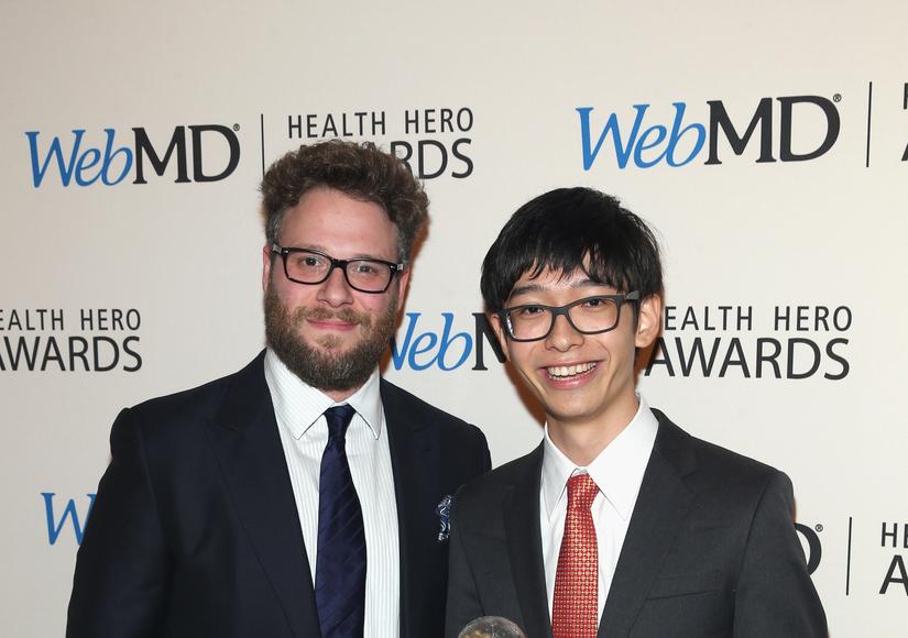 Seth Rogen Honors Kenneth Shinozuka in Hilarious Way at WebMD Health Hero Awards – Watch!