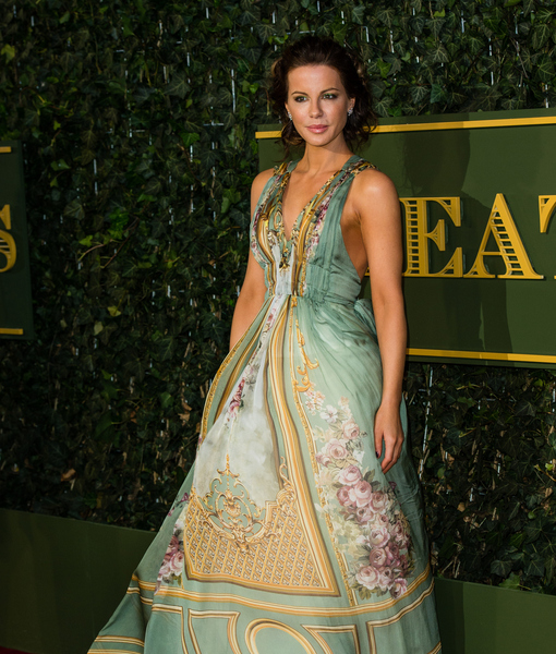 Kate Beckinsale Goes Without Wedding Ring at First Public Appearance Since Split News