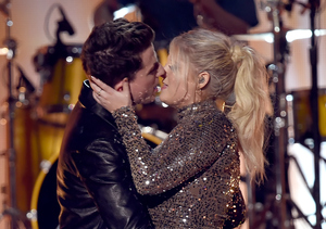 Meghan Trainor & Charlie Puth Kiss on AMAs Stage!