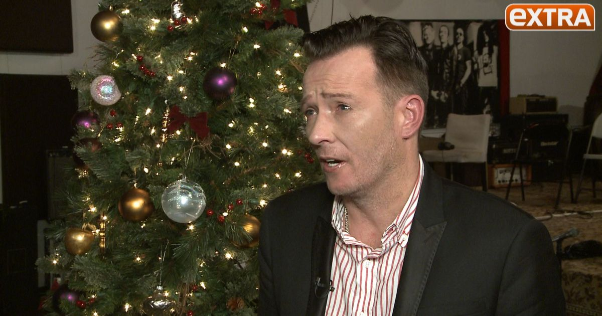 Scott Weiland Opens Up About His Christmas Album in 2011 Interview ...