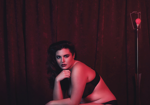 This Plus-Size Model Is the Daughter of a Famous Hollywood Actor