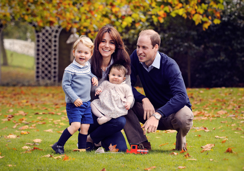 Prince William, Kate Middleton, Prince George & Princess Charlotte Release Royal Holiday Card