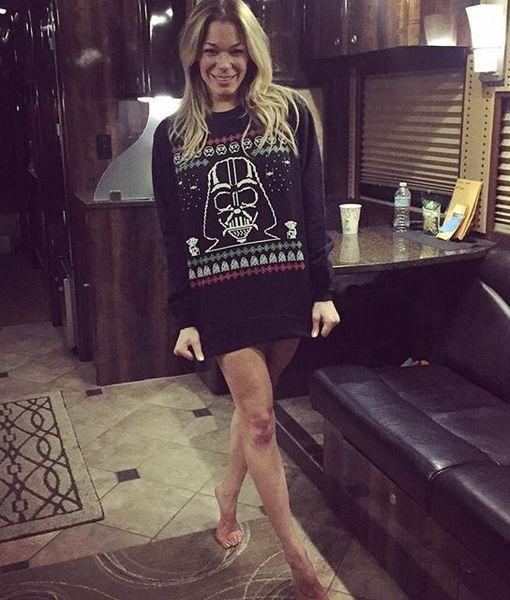 Christmas Spirit! LeAnn Rimes Goes Pantless to Celebrate 'Star Wars'…