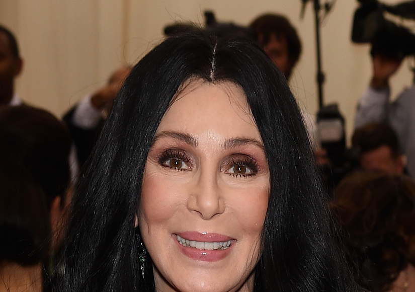 Cher Pledges Support, Free Water to Flint, Michigan
