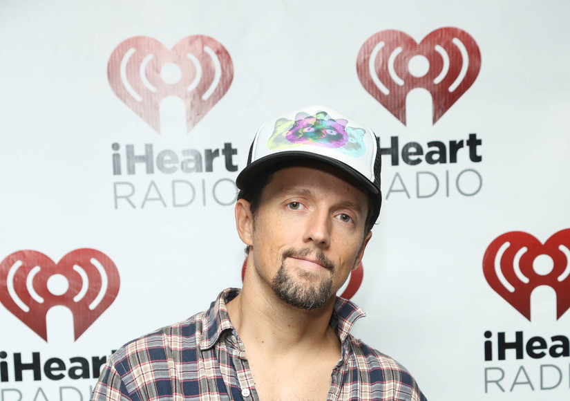 Jason Mraz Involved in Serious 3-Car Accident