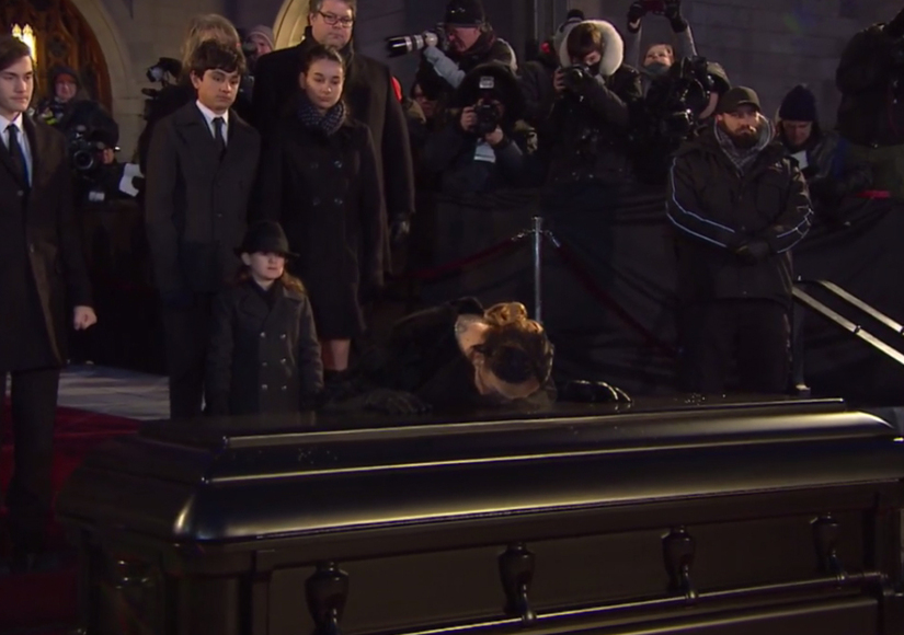 celine-kisses-casket