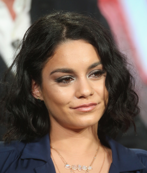 Vanessa Hudgens' Dad Dies of Cancer
